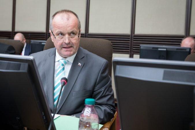 Minister Gajdoš si stojí za obstaraním nových húfnic Zuzana 2, sú dostatočne kvalitné