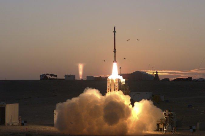 Izrael otestoval protiraketový systém Šíp-3, ochráni ho aj proti balistickým strelám mimo atmosféry