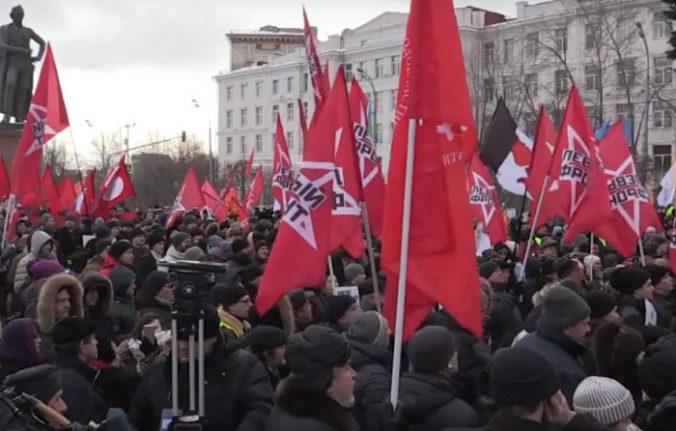 Video: V Moskve protestovali desiatky osôb, nesúhlasia s vrátením Kurilských ostrovov Japonsku