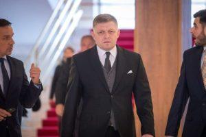 Fico sa vyjadril k údajnému telefonátu s Antoninom V. a očakáva veľké ospravedlnenie