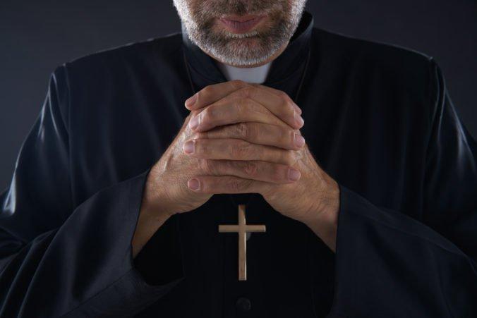 Vatikánskeho vyslanca Venturu vyšetrujú za sexuálne obťažovanie muža