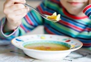 Smerácke obedy pre žiakov zrejme nebudú v niektorých mestách úplne zadarmo