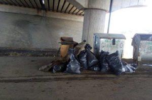 Rómovia v Poprade pomohli s upratovaním v okolí ich príbytkov, vyzbierali desiatky vriec odpadu