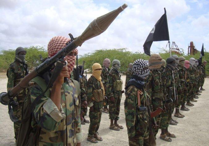 Aš-Šabáb zaútočil na vládnu budovu v Mogadiše, vo vnútri uväznil desiatky ľudí