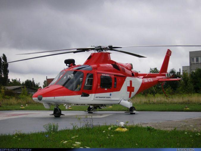 Leteckí záchranári pomáhali 2,5 ročnému chlapcovi, po páde do žumpy bol v kritickom stave