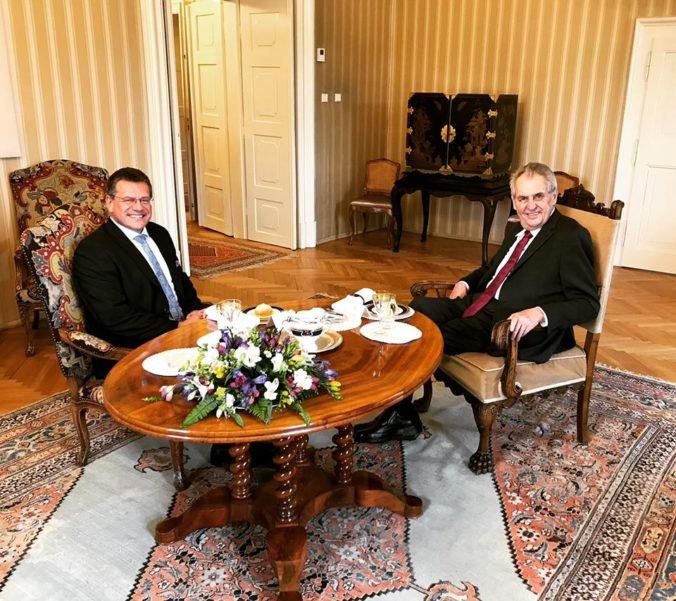 Šefčoviča prijal prezident Zeman, podporu Čaputovej vyjadril Schwarzenberg