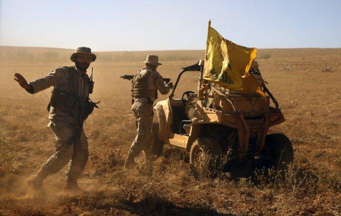 Foto: Militanti zaútočili na dedinu v Mali, zavraždili najmenej 130 ľudí