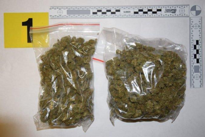 Foto: David si v Čechách nakúpil marihuanu a časť dal Viliamovi, môžu skončiť vo väzení