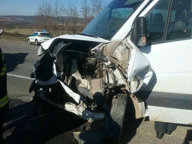 Vo Vranove sa stala vážna dopravná nehoda, zranených bolo osem ľudí