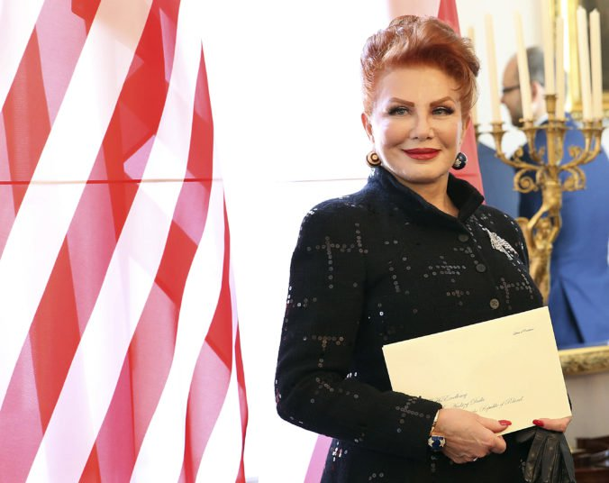 Veľvyslankyňa USA vyvolala pobúrenie, katolíckemu Poľsku zaželala šťastný Pesach