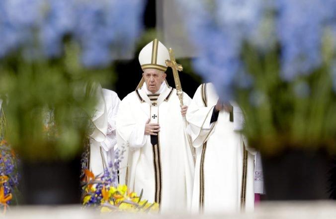 Pápež František požehnal Mestu a svetu, odsúdil útoky na Srí Lanke