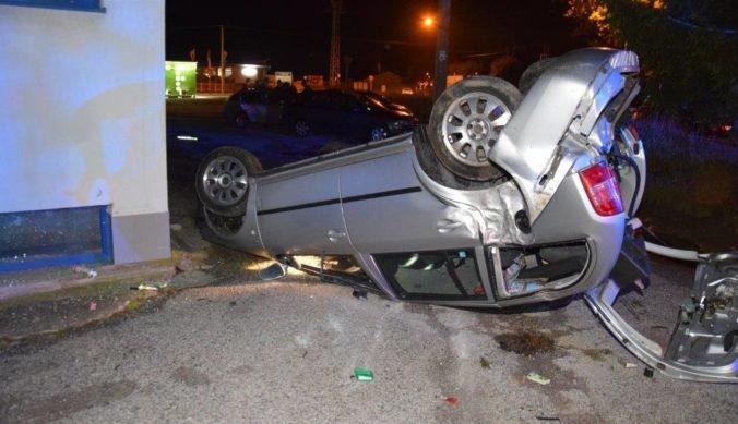 Foto: Maturanti havarovali, mladý vodič mal v krvi takmer 1,9 promile alkoholu