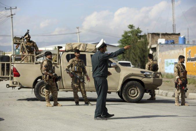 Bomba ukrytá v mikrofóne zabila počas modlitieb v afganskej mešite dvoch ľudí