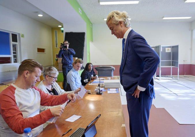 Eurovoľby v Holandsku vyhrala Strana práce, excentrický radikál Geert Wilders pohorel