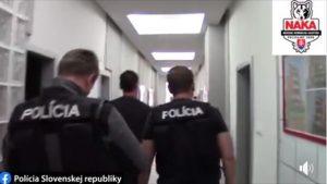 Video: Podnikatelia chceli podplatiť starostu, zadržala ich protikorupčná jednotka NAKA