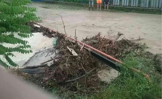 Foto: Časť Slovenska zasiahli silné búrky, najvážnejšia situácia bola v Prešovskom kraji