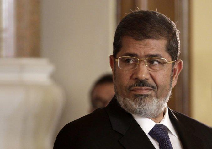 Bývalý prezident Egypta Muhammad Mursí zomrel počas pojednávania na súde