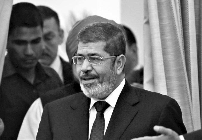 Exprezidenta Mursího deň po úmrti v tichosti pochovali, ale nie na rodinnom cintoríne