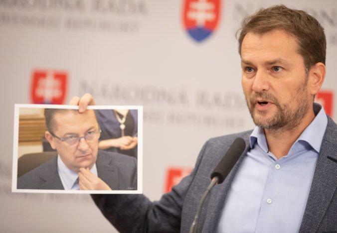 Procedurálne návrhy opozície v parlamente neprešli, Matovič žiadal o odvolanie Glváča