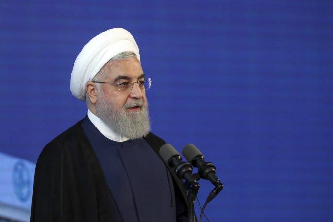 Irán nechce vojnu proti žiadnemu národu, ale v boji proti Spojeným štátom podľa Rúháního zvíťazí