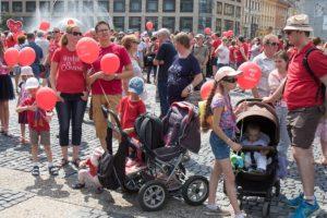 Pochod Hrdí na rodinu chystá pre deti prekvapenie, účastníci by mali prísť v červených tričkách