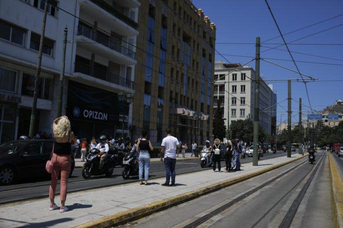 Atény zasiahlo silné zemetrasenie, ľudia zo strachu vybiehali na ulice