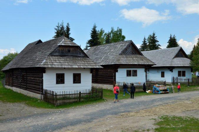 Žilinský kraj má mnoho turistických lákadiel, najvyhľadávanejšou destináciou je Liptov