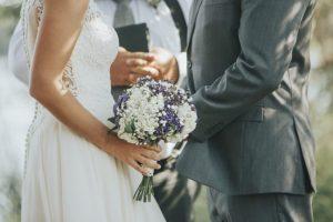 Počet sobášov v Prešovskom kraji klesol, ženísi aj nevesty vstupujú do manželstva čoraz starší