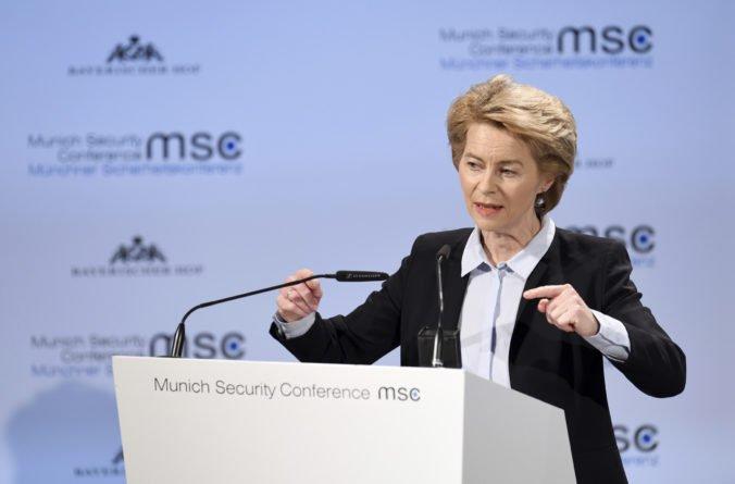 Beňová nazvala von der Leyen najkvalitnejšou kandidátkou, Jurzyca mal k jej prejavu výhrady
