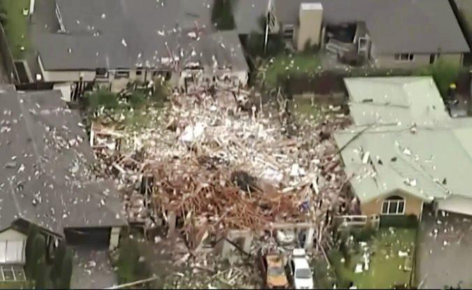 Video: Mestom Christchurch otriasla explózia, po výbuchu plynu zostali z domu len trosky