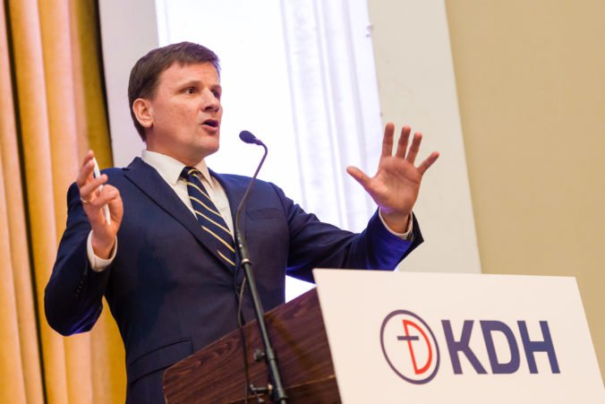 KDH je zhrozené z prepojenia zločinu so štátom, nastupujúca generácia musí urobiť poriadok