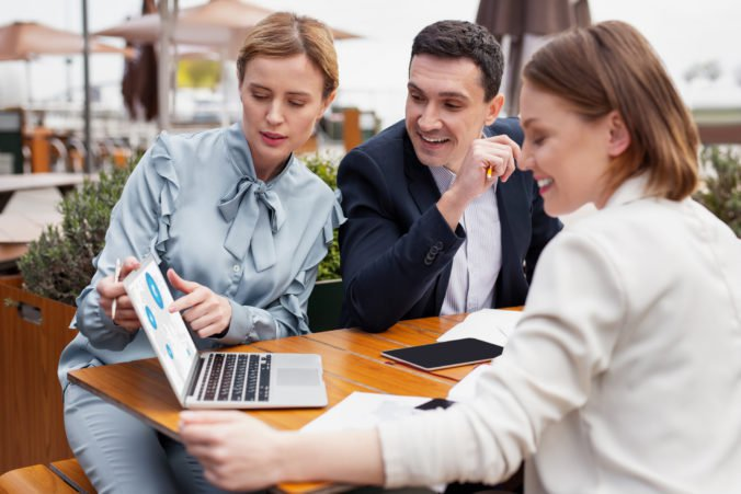 Rodové rozdiely na Slovensku stále pretrvávajú, platí to najmä v oblasti práce a kariéry