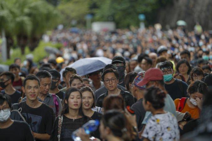 Video: Hongkonské protesty sa rozšírili aj do miest v Austrálii, v Melbourne zasahovala polícia