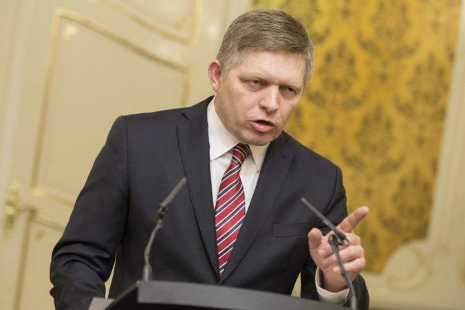 Fico by bol stále premiérom, ak by Smer-SD žiadal o podporu kotlebovcov, reaguje strana