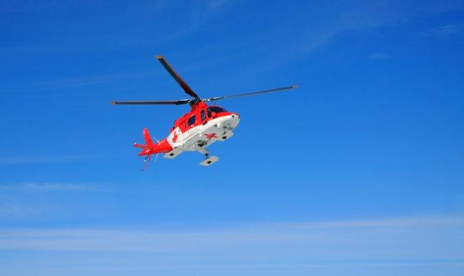 Leteckí záchranári ratovali trojročného chlapčeka, mal poranenú hlavu aj obe nohy