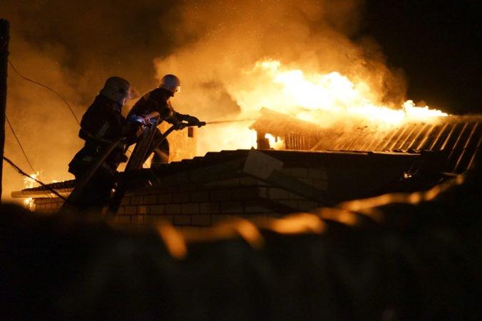 Hotel v Odese pohltili plamene, požiar si vyžiadal niekoľko obetí aj zranených