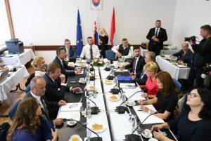 Pellegriniho vláda odklepla státisíce eur na projekty spojené s menom M. R. Štefánika