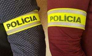 Štvorica ukradla náradie za desaťtisíce eur, z unimobuniek si odniesli motory aj rezné kotúče
