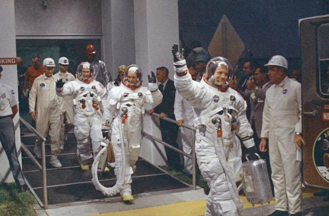 V Ohiu chcú premenovať stredisko NASA, malo by sa volať po Neilovi Armstrongovi