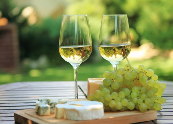 U Slovákov rastie obľúbenosť slovenského vína