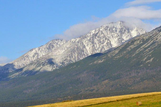 Foto: Na celom Slovensku hrozí prízemný mráz, na hrebeňoch Tatier je už sneh