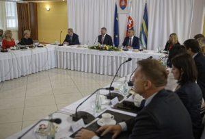 V okrese Košice-okolie vznikli stovky pracovných miest, Pellegriniho vláda rozdelila ďalší milión eur