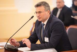 Fiačan žiadal poslancov, aby schválili potrebný počet kandidátov na ústavných sudcov