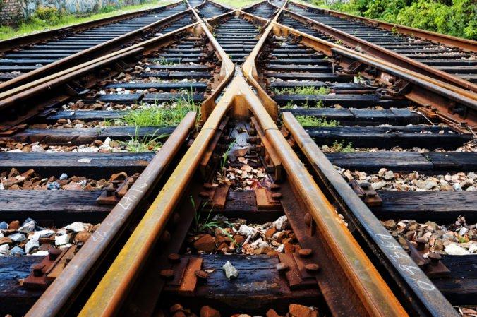 Medzi Malou Lodinou a Veľkou Lodinou zrazil vlak 58-ročného muža