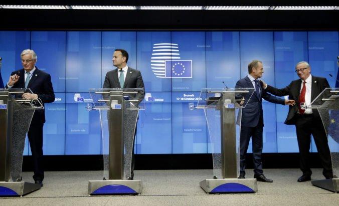Europarlament je pripravený schváliť brexit s dohodou, Únia a Británia sú blízko finále