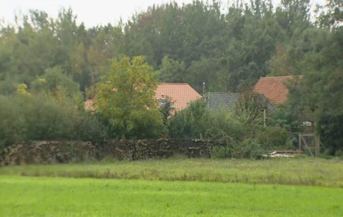 """Vyšetrovanie izolovanej rodiny na farme v Holandsku pokračuje, zatkli druhého """"otca"""""""
