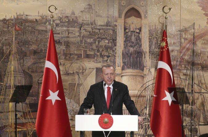 Turecký prezident Erdogan uistil Trumpa, že prímerie v Sýrii platí