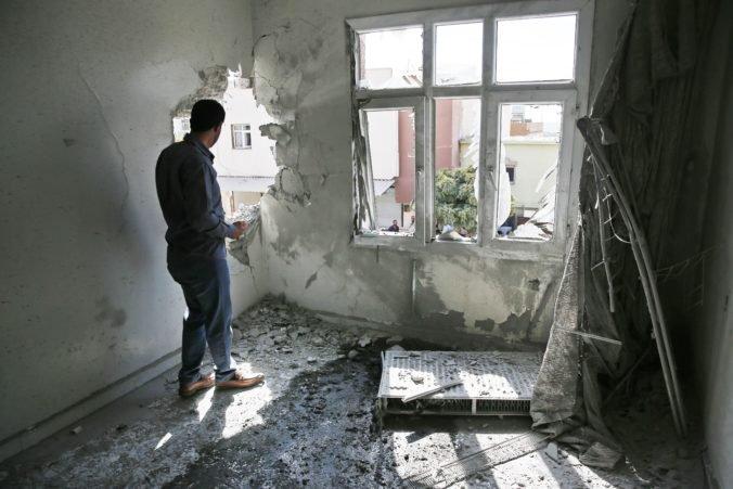 Turci dobyli kľúčové mesto na severe Sýrie, z tábora Ajn Ísa ušli stovky islamistov