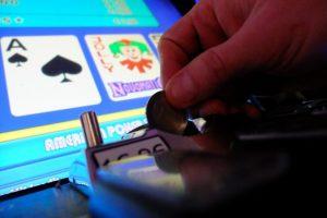 Primátor Vallo a starostovia mestských častí podporujú zastavenie hazardu v Bratislave