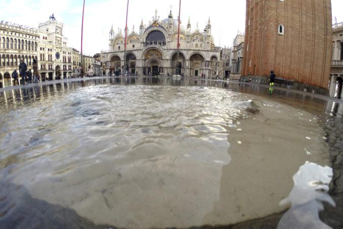 Video: Námestie svätého Marka znovu otvorili, Benátky naďalej ohrozujú vysoké prílivové vlny